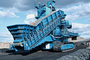 6	 Mobile crushing plant in chinese open cast mine