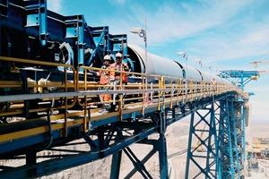 """<div class=""""bildtext"""">Metso unterhält mehrere Hundert LCS-Verträge mit den wichtigsten Akteuren der Mineralaufbereitung weltweit • Metso has several hundred LCS contracts with key players in minerals processing globally</div>"""