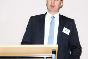 """<div class=""""bildtext"""">Michael Schmidt, INEAST Consulting Bonn</div>"""