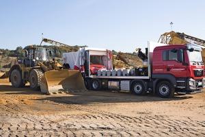 """<div class=""""bildtext"""">2 Der PFREUNDT Eich-LKW vor Ort im Einsatz • The PFREUNDT calibration lorry in use on site</div>"""