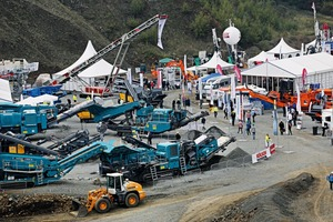 "<div class=""bildtext"">1 Aufbereitungsdemonstrationen mit mobiler Anlagentechnik sind ein wesentlicher Messeschwerpunkt • Treatment and processing demonstrations using mobile plant technology are an important focus of the trade fair</div>"