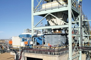 "<div class=""bildtext"">16 HPGR in Diamantmine in Südafrika • HPGR in a diamond mine in South Africa</div>"