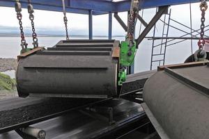 """<div class=""""bildtext"""">1 Wagner Magnete lieferte 10&nbsp;Magnet-Systeme mit einem Gesamtgewicht von 108&nbsp;t an einen Kohle-Umschlaghafen an die russische Ostküste • Wagner Magnete supplied ten magnet systems with a total weight of 108&nbsp;t to a coal trans-shipping port on the eastern coast of Russia</div>"""