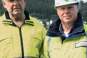 """<div class=""""bildtext"""">Der Betriebsleiter der Hohenlimburger Kalkwerke, Dipl.-Ing. Ulrich Kolhagen (links), zusammen mit dem Vertriebsmitarbeiter der F.E. Schulte Strathaus GmbH &amp; Co. KG, Peter Bajorat • Hohenlimburger Kalkwerke operations manager, Dipl.-Ing. Ulrich Kolhagen (left), together with F.E. Schulte Strathaus GmbH &amp; Co. KG sales representative Peter Bajorat</div>"""