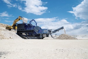 "<div class=""bildtext"">1 Die mobile Backenbrechanlage MOBICAT MC&nbsp;125&nbsp;RR bereitet bis zu 600&nbsp;t Kalkstein pro Stunde auf • The mobile jaw crushing plant MOBICAT MC&nbsp;125&nbsp;RR processes up to 600&nbsp;t of limestone an hour</div>"