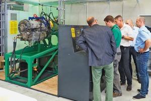 """<div class=""""bildtext"""">6 Das neue ReMan-Center für Hydraulik- und Getriebekomponenten bietet umfassende Testvorrichtungen für Reparatur- und Austauschteile • The new ReMan Centre provides comprehensive testing procedures for repaired and rebuilt components</div>"""