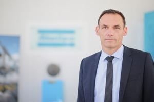 """<div class=""""bildtext"""">Geschäftsführer Stephan Ketteler • Managing Director Stephan Ketteler</div>"""