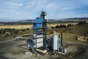 "<div class=""bildtext"">Transportable Asphaltmischanlage in Containerbauweise vom Typ ECO # Transportable asphalt mixing plant in container design – type ECO</div>"