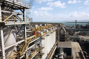 "<div class=""bildtext"">14 Port Pirie Bleihütte in Australien • Port Pirie lead smelting works in Australia</div>"