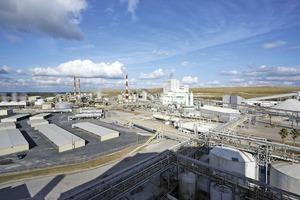 "<div class=""bildtext"">10 Werk Bartow in Kanada • Bartow plant in Canada</div>"
