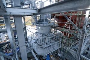 """<div class=""""bildtext"""">9LM 15.2 M In der Edelstahlschlacken-Aufbereitung in Farciennes • LM15.2M for processing stainless steel slags in Farciennes</div>"""