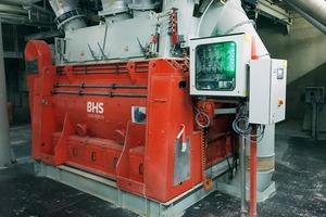 """<div class=""""bildtext"""">2BHS Trockenstoff-Chargenmischer vom Typ DMX 4900 im Werk Süd in Wopfing<br />BHS dry powder batch mixer of type DMX 4900 at the Wopfing South Plant</div>"""