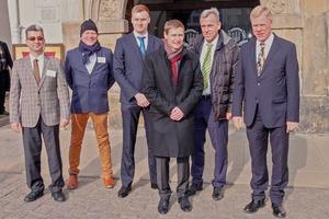 """<div class=""""bildtext"""">9 Einige Referenten in der Mittagssonne (v.l.) / Some of the speakers in the midday sun (f.l.): Jochen Meier, Hugo van Benthem, Stephan Lange, Frank Eichhorn, Prof. Dr. Holger Lieberwirth und Prof. Dr. Georg Unland</div>"""