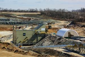 1 Die neue semi-mobile HAZEMAG-Brechanlage im New Windsor Steinbruch des LEHIGH-Zementwerks • the new semi-mobile HAZEMAG crushing plant at the New Windsor Quarry of LEHIGH´s Cement Plant