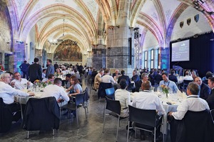 5 Networking-Event am Abend im Krönungssaal des Aachener Rathauses • Networking event in the evening in the Coronation Hall in Aachen Townhall