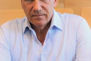 Prof. Niski