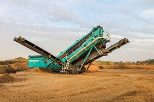 "<div class=""bildtext"">2 Die Siebanlage Chieftain&nbsp;2200 von Powerscreen • The Chieftain&nbsp;2200 screen from Powerscreen</div>"