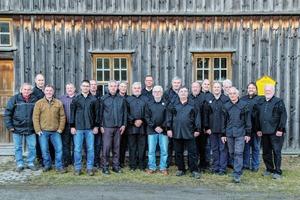 "<div class=""bildtext"">2 Mitglieder des Bergbauvereins Schneeberg/Erzgebirge e.V.<br />Members of the Bergbauverein Schneeberg/Ore Mountains Mining Society </div>"