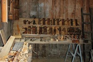 7 Präsentation von Zimmerei- und Schreinereibedarf • Presentation of carpentry and joinery supplies