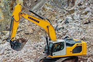 """<div class=""""bildtext"""">Liebherr Bagger 934 • Liebherr 934 excavator <br /> </div>"""