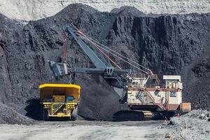 """<div class=""""bildtext"""">14 North Antelope Rochelle Kohlemine<br />North Antelope Rochelle coal mine</div>"""