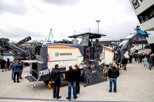 The W 210 Fi cold milling machine from Wirtgen's new generation of large milling machines captivated many visitors to the trade show