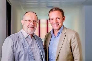 """<div class=""""bildtext"""">Dr. Heiner Marx (links im Bild), Vorstandsvorsitzender der K-UTEC AG Salt Technologies, und Dr. Markus Pfänder, Vorstand • Dr. Heiner Marx (at left), CEO of K-UTEC AG Salt Technologies, with Dr. Markus Pfänder, Director</div>"""