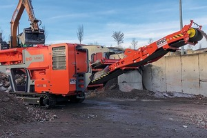 "<div class=""bildtext"">Highlight des Messeauftritts von BMD ist die neue Recyclinganlage RA 900T, der größte raupenmobile Backenbrecher der 24-Tonnen-Klasse # BMD's highlight at the trade fair will be the new RA 900T recycling system, the largest tracked jaw crusher in the 24-tonne class</div>"
