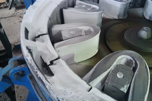 """<div class=""""bildtext"""">BHS-Sonthofen performed numerous crushing and grinding tests with the rotor impact mill of type RPM in order to experiment with the process of crushing ammonium sulfate. The RPM crushed the material to the desired size with consistent results during the tests. </div>"""