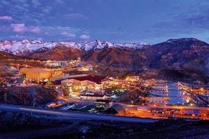 """<div class=""""bildtext"""">11 Kupfererzmine El Teniente • El Teniente copper mine</div>"""
