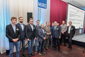"<div class=""bildtext"">Studenten als Gäste des Forums MIRO - die zukünftigen Ingenieure der Gesteinsindustrie mit Dr. Hagenhuth und Staatssekretär Oliver Wittke • Students as guests of the MIRO Forum - potential future minerals-industry engineers&nbsp; accompanied by Dr. Hagenhuth and Secretary of State Oliver Wittke </div>"