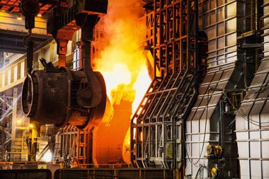 "<div class=""bildtext"">Eisenhüttenschlacken sind Wertstoffe • Iron and steel slags are valuable raw materials </div>"