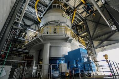 "<div class=""bildtext"">5 Schlackevermahlung mit einer Vertikalmühle bei Ecocem • Slag grinding with a vertical mill at Ecocem</div>"