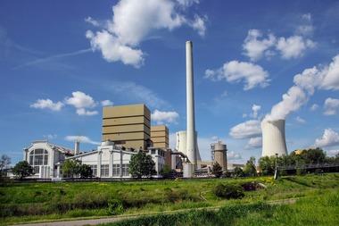 """<div class=""""bildtext"""">7 Modernes Steinkohlekraftwerk • Modern coal-fired power plant </div>"""