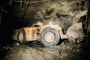"""<div class=""""bildtext"""">2 Abbau unter Tage • Mining underground</div>"""