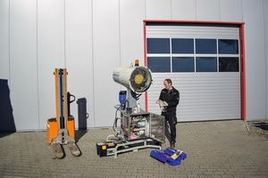 """<div class=""""bildtext"""">1 Kompetent durchgeführte Wartung durch Service-Techniker • Competent maintenance carried out by service technicians</div>"""
