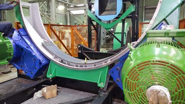 One of the mechanical innovations in MechProTech's mills and scrubbers is the use of Vesconite hydrodynamic composite bearings