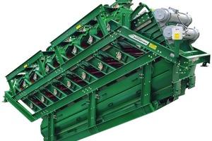"""<div class=""""bildtext"""">Neue 8-Deck Hochleistungssiebmaschine SuperStack<sup>®</sup> • New 8-deck SuperStack<sup>®</sup> vibratory screening machine</div>"""