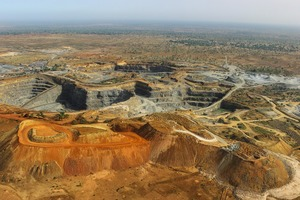 "<div class=""bildtext"">1 Steinbruch im Senegal • Quarry in Senegal</div>"