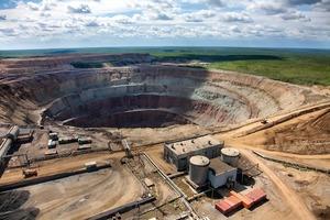 "<div class=""bildtext"">19 Diamantenmine International • International diamond mine </div>"