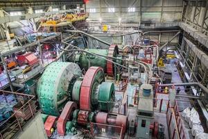 """<div class=""""bildtext"""">17 SAG Mühlen in Aufbereitungsanlage Mayskoye • SAG mills in Mayskoye processing plant</div>"""