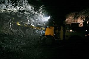 """<div class=""""bildtext"""">13 Kupferpyritabbau in der Gaisky Untertagemine • Copper pyrite mining in the Gaisky underground mine</div>"""