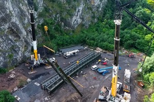 """<div class=""""bildtext"""">7 Flémalle project: Assembly work was continuously monitored by drones</div>"""