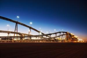 "<div class=""bildtext"">2 Iron ore mining in Western Australia</div>"