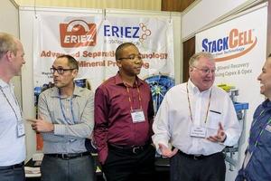 """<div class=""""bildtext"""">7 Jon Wills vom MEI im Gespräch mit Vertretern von Eriez </div>"""