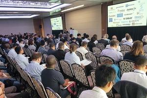 """<div class=""""bildtext"""">1 Eröffnung der Konferenz – 293 Delegierte aus 33 Ländern </div>"""