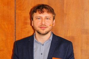 """<div class=""""bildtext"""">20 Dr. Stefan Jäckel</div>"""
