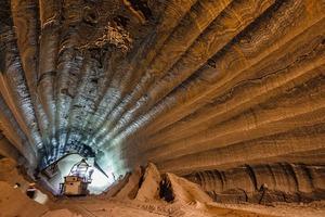 """<div class=""""bildtext"""">15 Underground potash mine in Russia</div>"""