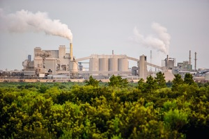"""<div class=""""bildtext"""">14 Phosphate plant in New Wales</div>"""