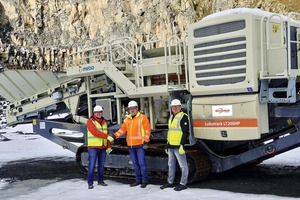 """<div class=""""bildtext"""">1 The mobile Metso:Outotec Lokotrack LT200HP cone crusher at its work site in the lava and basalt quarry in Strohn, from left: Ralph Phlippen (GM Fischer-Jung Aufbereitungstechnik GmbH), Bernard Douw (plant manager of the basalt and lava works of Ernst Scherer Baustoffe GmbH&nbsp;&amp; Co.&nbsp;KG) and Hugo Van Benthem (Metso Germany)</div>"""